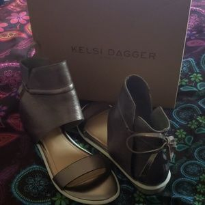 Kelsi Dagger Brooklyn - Graphite Shae Sandals